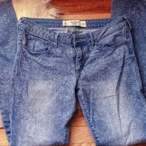 Abercrobmbie & Fitch Jeans Size 6